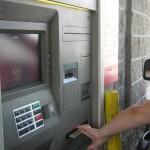 Drive-thru bankomat