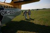 Tandemový seskok – příchod k letadlu